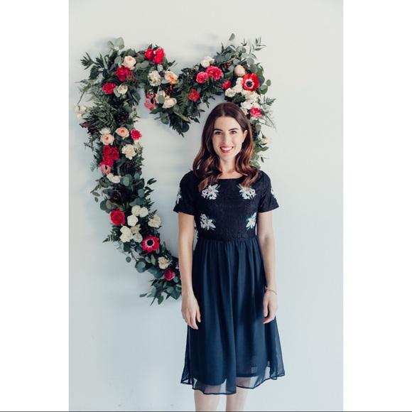 8c3c54fb3938 NWT Ashley LeMieux Black Floral Midi Party Dress